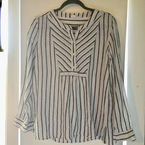 GAP striped linen Henley style top blue and white